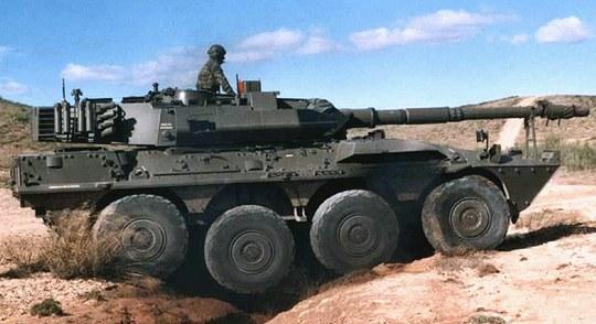 潜水渡渉を行う90式戦車