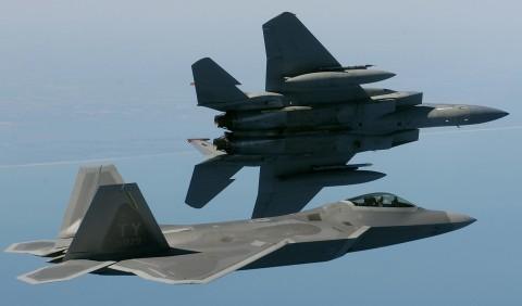 F-22とF-15